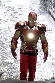 avengers u0027 set photos iron man u0027s new armor revealed mtv