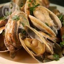 cuisiner des palourdes palourdes à l ail et au vin recettes allrecipes québec