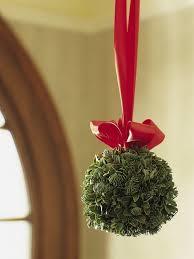 christmas mistletoe christmas traditions explained mistletoe