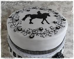 deko fã r hochzeitstorte eine leckere torte für eine pferde liebhaberin zum geburtstag