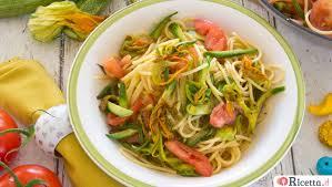 primo piatto con fiori di zucca ricetta pasta con fiori di zucca e pomodori ricetta it
