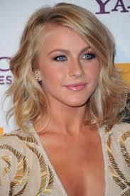short loose wave hairstyle julianne hough medium wavy hairstyle 2012 hairstyles weekly