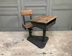 bureau enfant vintage bureau d enfant à complication style jean prouvé