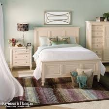 nothing says beachfront home like this bedroom the cream colored