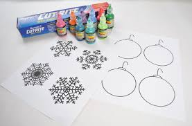 Christmas Window Decorations Snowflakes by How To Wow With Diy Holiday Window Clings