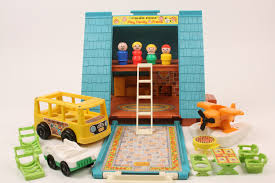 22 awesome fisher price little people playsets you wish you still had