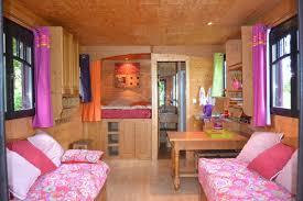 chambre d hote chateau gontier chambre d hotes la roulotte du chene vert hébergements guide