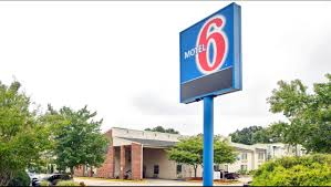 tanger family bicentennial garden motel 6 greensboro airport hotel in greensboro nc 39 motel6 com