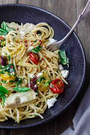 Simple Mediterranean Olive Oil Pasta The Mediterranean Dish