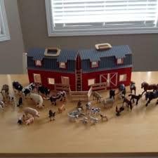 Toy Wooden Barns For Sale Find More Melissa And Doug Wooden Barn With 33 Schleich Animals