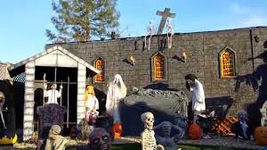 spirit halloween displays halloween yard haunt display 2014 2 youtube