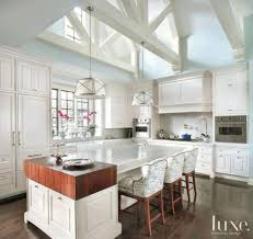 kitchen with vaulted ceilings ideas vaulted kitchen ceiling ideas white hardwood floor