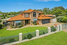 63 kidwelly street carindale re max australia property sold in carindale