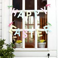Easy Easter Decorations To Make At Home by How To Make Gorgeous Garland Easter Decorations