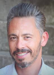 tame gray hair that sticks up 15 glorious hairstyles for men with grey hair a k a silver foxes
