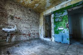 Hit The Floor Quebec - images reveal the crumbling remains of 152 year old prison daily