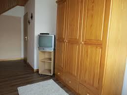 Schlafzimmer Franz Isch Einrichten Mit 2 Betten Perfect Apartments Kono Photojpg With Mit 2 Betten