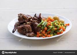 cuisine maltaise cuisine traditionnelle maltaise cuit de lapin aux légumes