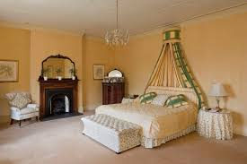 victorian bedroom decorate a luxurious victorian bedroom on a budget