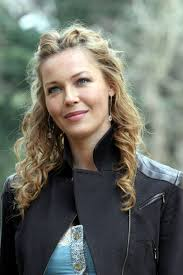 connie nielsen hairstyle photo zntent com celebrity photo