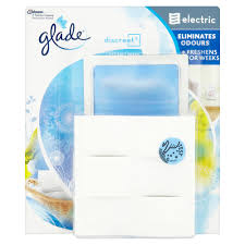 glade discreet air freshener plug in and refill clean linen 12g at