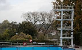 Wetter Bad Wimpfen Todessprung Neben Das Becken Wer Ist Schuld Am Unglück Im Freibad