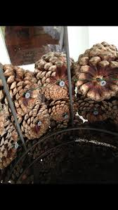 Christmas Decorations Pine Tree by Best 25 Pine Cone Tree Ideas On Pinterest Cone Trees Pinecone