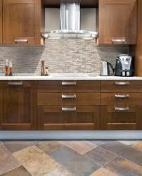 revetement adhesif pour meuble de cuisine revetement adhesif mural cuisine affordable papier peint rouleau et