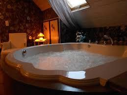 chambre balneo chambre romantique à l accés extérieur privé balnéo piscine été
