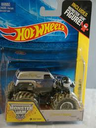 monster truck power wheels grave digger amazon com grave digger the legend monster jam off road truck by
