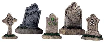 halloween headstones amazon com lemax halloween spooky town set of 5 tombstones 44145