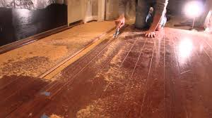 Removing Scratches From Laminate Flooring How To Remove Hardwood Flooring Youtube