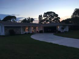 Split Plan Sarasota Fl Beautifully Furnished 2 2 Split Plan Ranch Home W