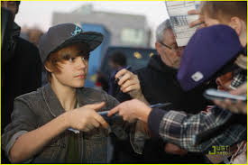 justin bieber happy thanksgiving from germany photo 350720