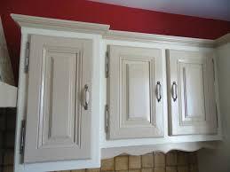 repeindre sa cuisine en chene repeindre des meubles de cuisine rustique cuisine conforama 25 avec