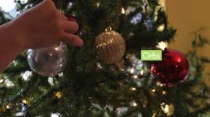 how to decorate a tree with pictures wikihow