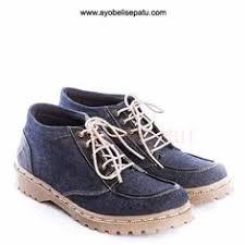 Harga Sepatu Dc Dan Vans sepatu casual studded bertali berkualitas bagus warna biru bahan