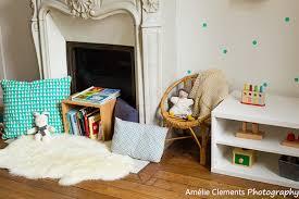 coin lecture chambre chambre montessori voici un bel exemple d aménagement à découvrir