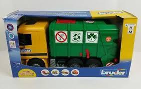 bruder toys logo amazon com bruder recycling truck by bruder toys toys u0026 games