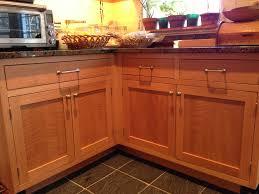 quarter sawn oak cabinets rift sawn red oak cabinets homedesignview co