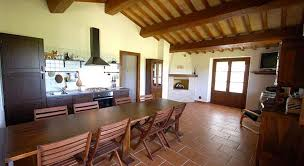 soggiorno sala da pranzo soggiorno sala da pranzo con camino casale con piscina 3 camere 2