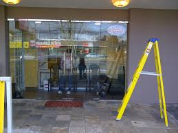 glass windows and glass walls repair replace and install