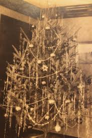 Evergleam Aluminum Christmas Tree Vintage by 92 Best Vintage Christmas Trees Images On Pinterest Christmas