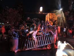 halloween horror nights chainsaw halloween horror nights scare zones jabbawockeez and terror