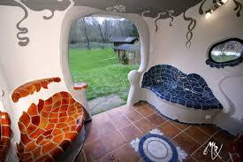 hundertwasser badezimmer backofenhaus kunst am bau angelehnt an gaudi und hundertwasser