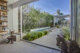 game design los angeles game of thrones star emilia clarke scores a new house in los