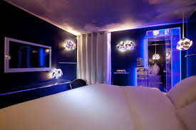 led pour chambre seven hotel jetsetter levitating bed