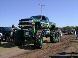 jacked up chevy trucks chevy162 jpg awesome vehicles