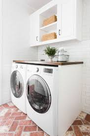 Decor For Laundry Room by Best 25 Laundry Room Counter Ideas On Pinterest Laundry Room