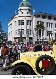 dh napier new zealand classic vintage car parading streets art